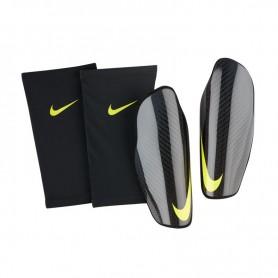 Nike Protegga Carbonite SP2108-010 protectors