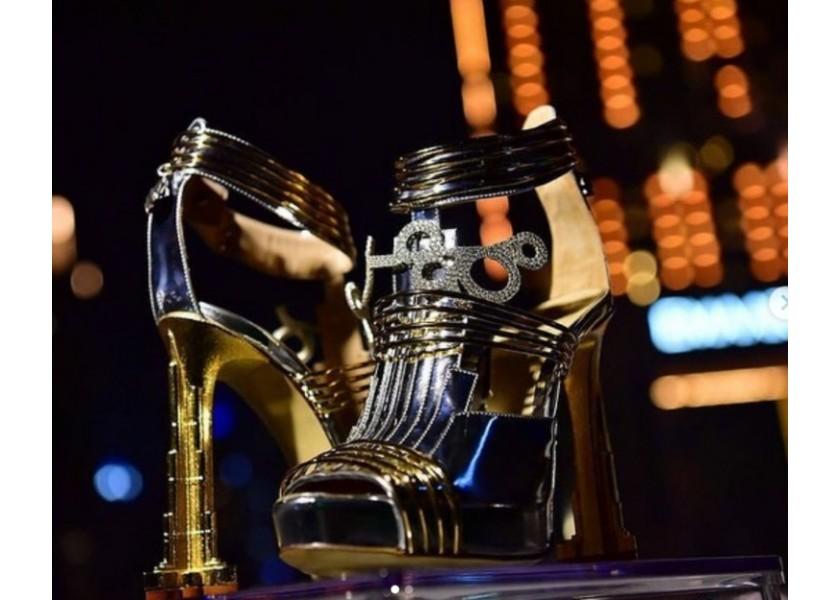 Τα πιο ακριβά παπούτσια στον κόσμο έχουν στο τακούνι... μετεωρίτη